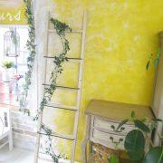 はしごに絡んでいる葉っぱは造花でしたよ